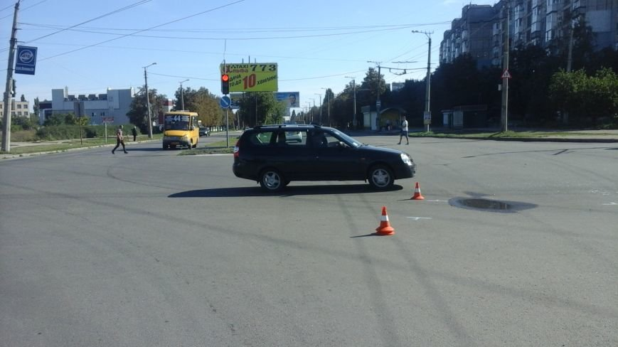 ДТП в Кропивницком: маршрутка врезалась в автомобиль (ФОТО), фото-3