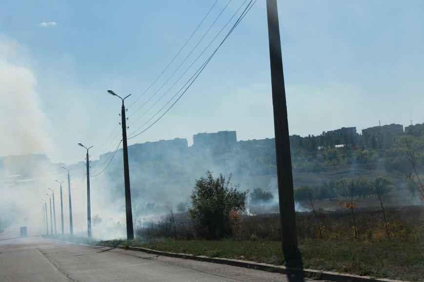 В Краматорске возле балки дым застелил проезжую часть, фото-5