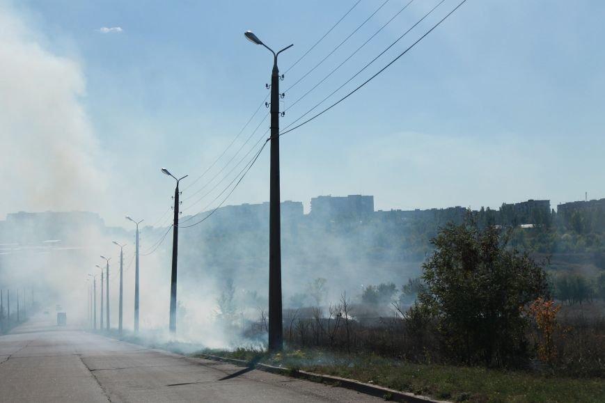 В Краматорске возле балки дым застелил проезжую часть, фото-6