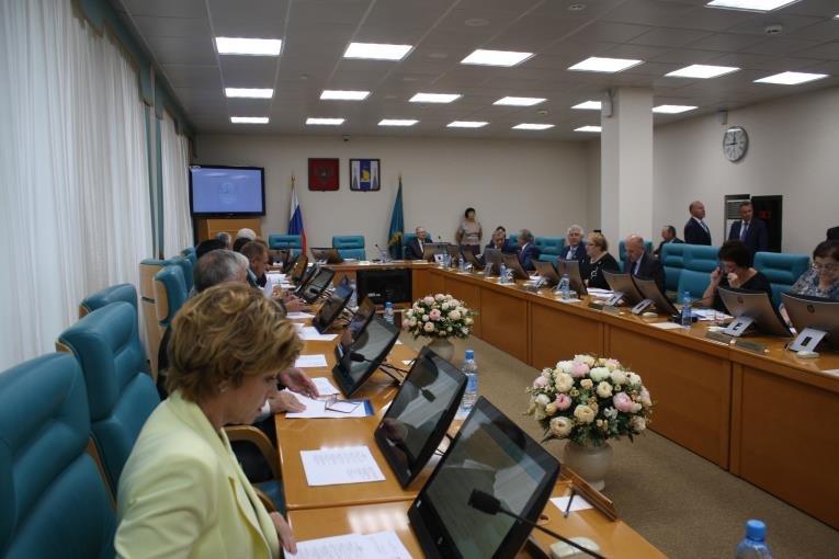 Сессия Сахалинской областной Думы началась с обсуждения новых мониторов, фото-4