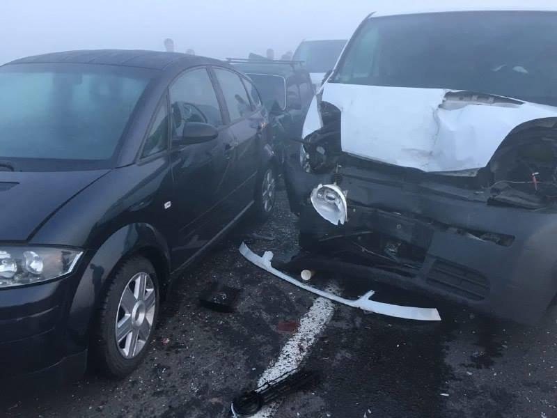 У масовій ДТП поблизу Львова зіткнулися 11 автомобілів. Є постраждалі (ОНОВЛЮЄТЬСЯ), фото-1