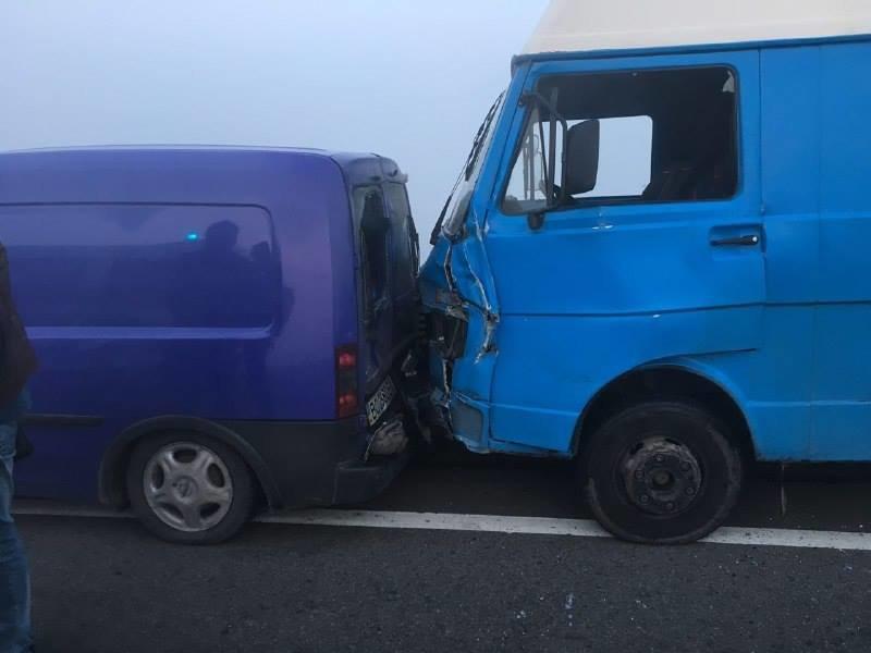 У масовій ДТП поблизу Львова зіткнулися 11 автомобілів. Є постраждалі (ОНОВЛЮЄТЬСЯ), фото-3