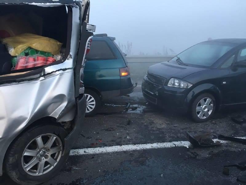 У масовій ДТП поблизу Львова зіткнулися 11 автомобілів. Є постраждалі (ОНОВЛЮЄТЬСЯ), фото-2