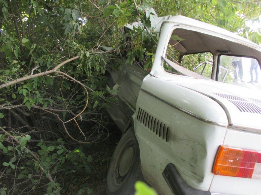 Недалеко от Балаково вновь произошло ДТП с трагическим исходом, фото-1