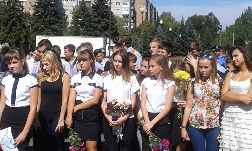 В Авдеевке прошли митинги ко Дню освобождения Донбасса от фашистских захватчиков (ФОТОФАКТ), фото-19