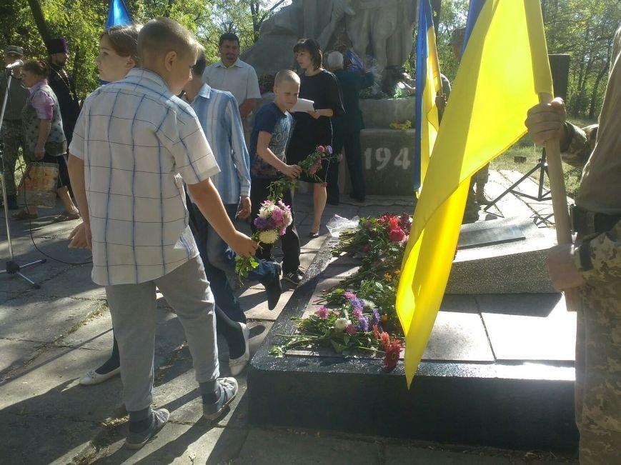 В Авдеевке прошли митинги ко Дню освобождения Донбасса от фашистских захватчиков (ФОТОФАКТ), фото-24