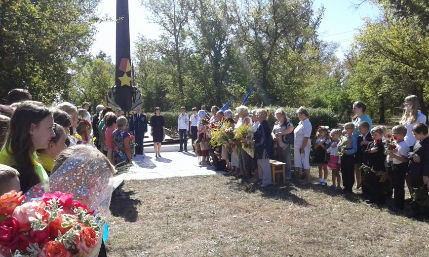 В Авдеевке прошли митинги ко Дню освобождения Донбасса от фашистских захватчиков (ФОТОФАКТ), фото-15