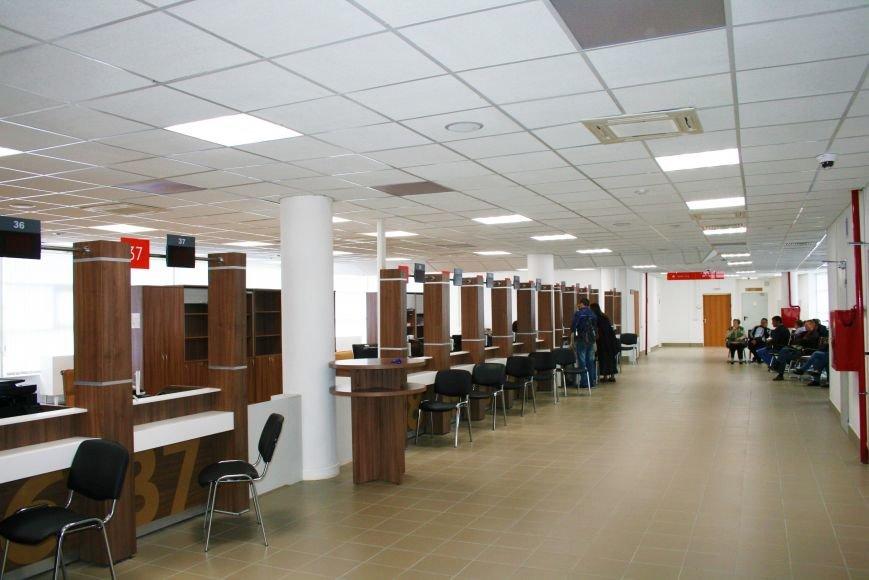 Новый центр госуслуг МФЦ «Мои документы» в Троицке собирает многочасовые очереди, фото-2