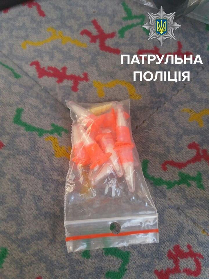 В Кропивницком из микроавтобуса продавали наркотики (ФОТО), фото-3