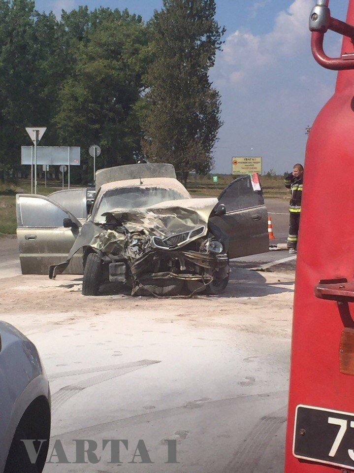 У Великих Мостах на Львівщині зіткнулися 2 автомобілі: є постраждалі (ФОТО), фото-1