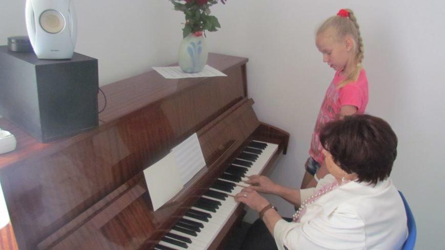 Мариупольские дети смогут бесплатно заниматься на фортепиано (ФОТО+ВИДЕО), фото-1