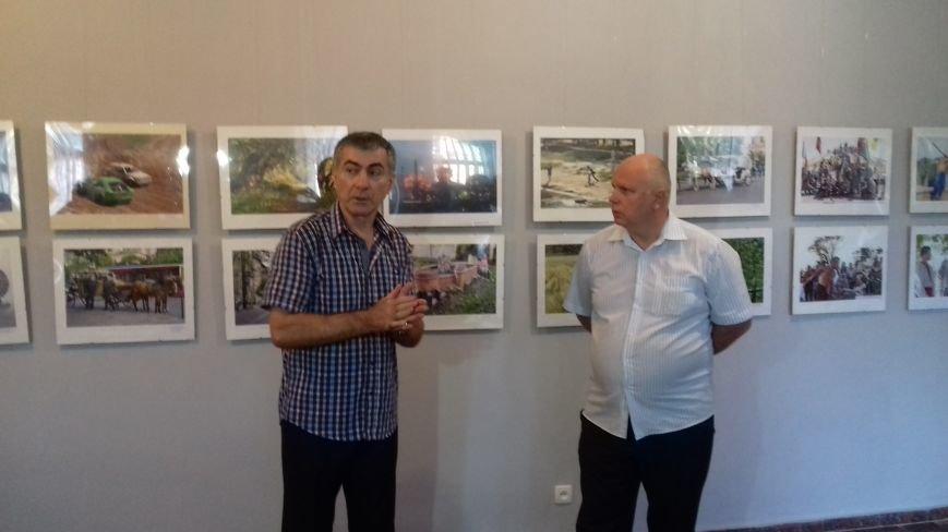"""Криворожские фотохудожники представили жителям города результаты """"20 лет любви"""" (ФОТО), фото-1"""