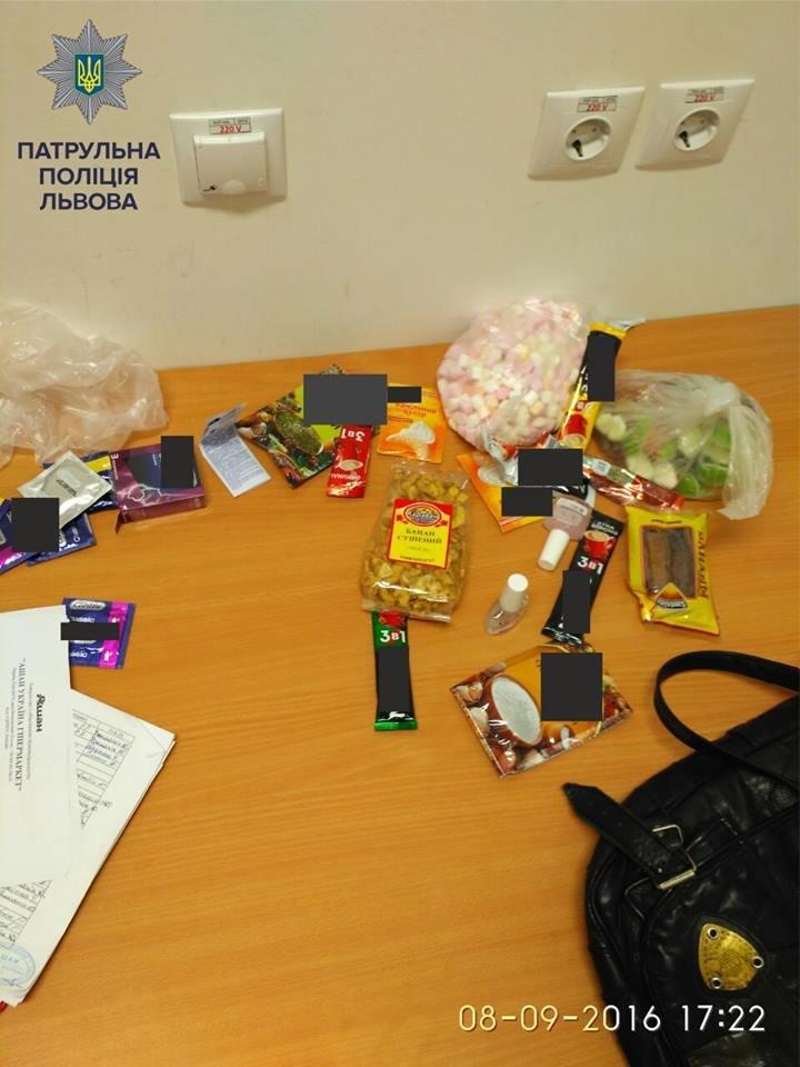 На вулиці Володимира Великого затримали хлопця, який вживав наркотики у супермаркеті (ФОТО), фото-3