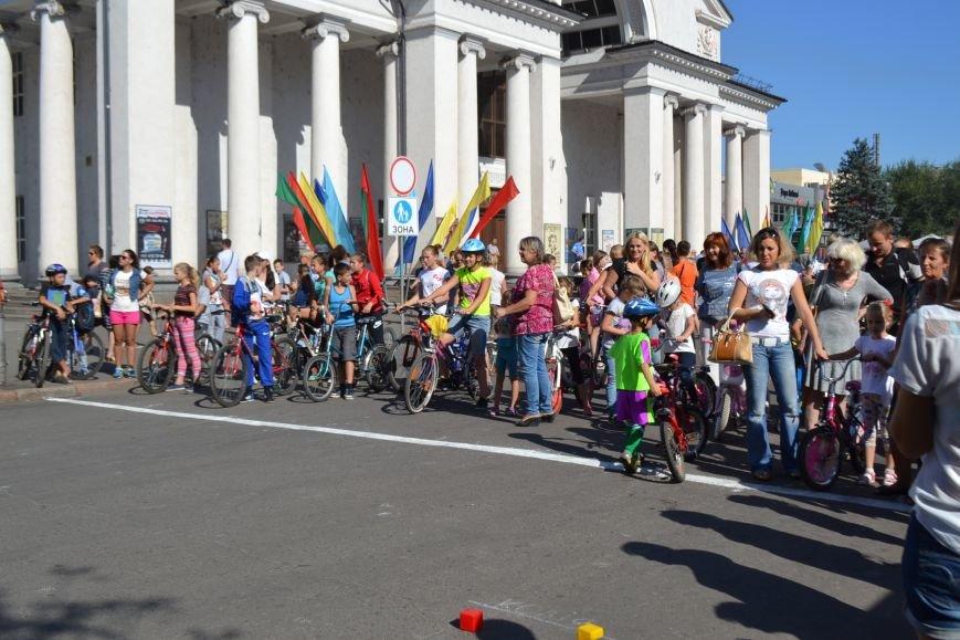 На центральном проспекте Кривого Рога провели чемпионат по фигурному велокатанию (ФОТО), фото-4