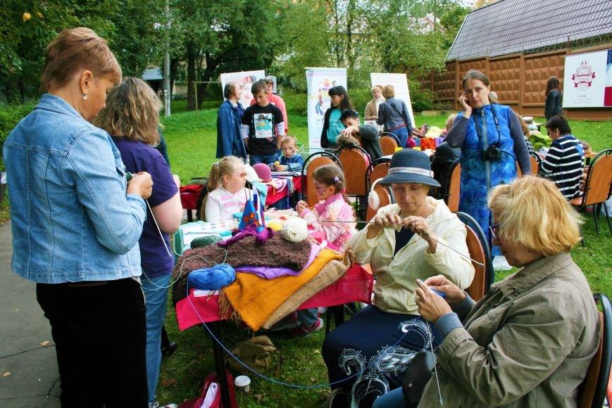 На камвольной фабрике в Троицке прошёл фестиваль пряжи и вязания, фото-1