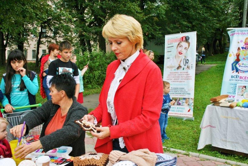 На камвольной фабрике в Троицке прошёл фестиваль пряжи и вязания, фото-2