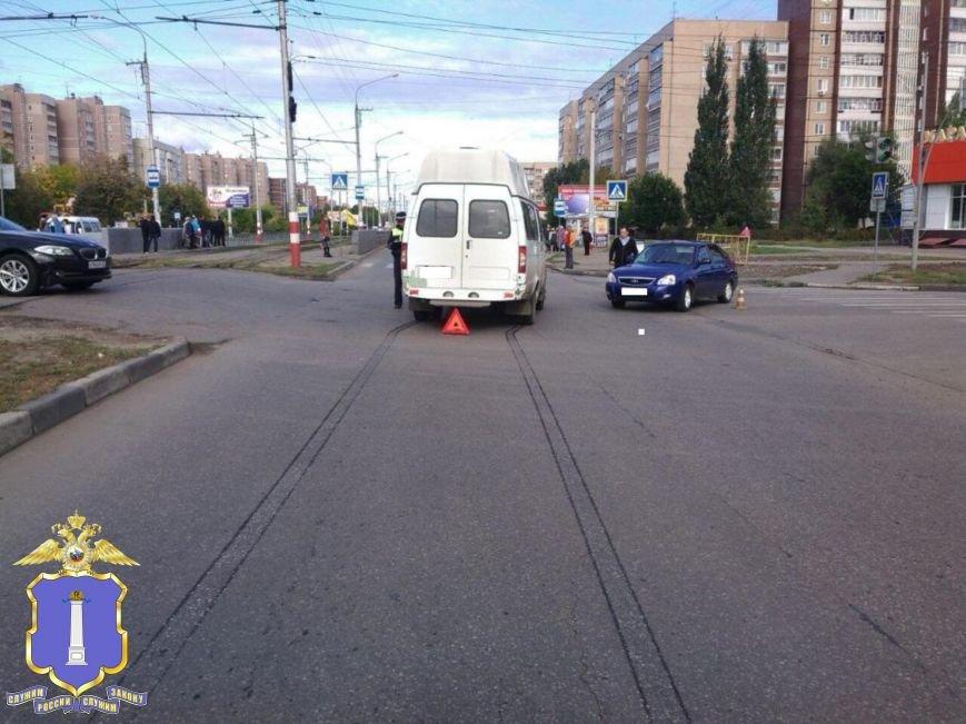 В Засвияжье ВАЗ протаранил маршрутку, фото-1