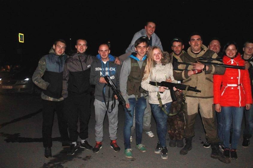 Бампер к бамперу по ночному Полевскому, фото-8