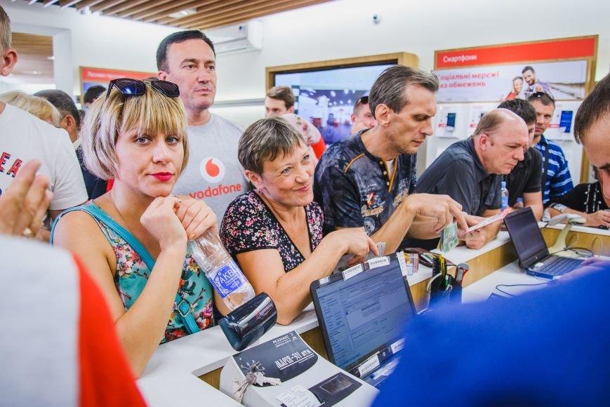 Vodafone открыл фирменный магазин в Мариуполе, фото-5