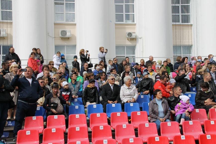 День города в Ульяновске: балет машин, танцы, звезды и дождь. ФОТО, фото-2