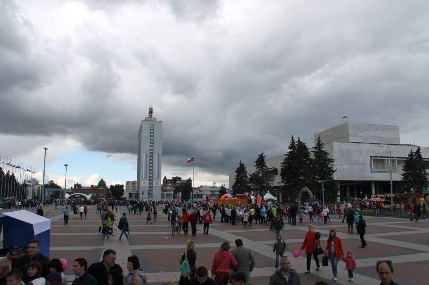 День города в Ульяновске: балет машин, танцы, звезды и дождь. ФОТО, фото-10
