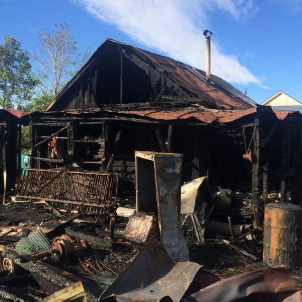 Крупный пожар в Ульяновске тушили 37 человек. ФОТО, фото-2