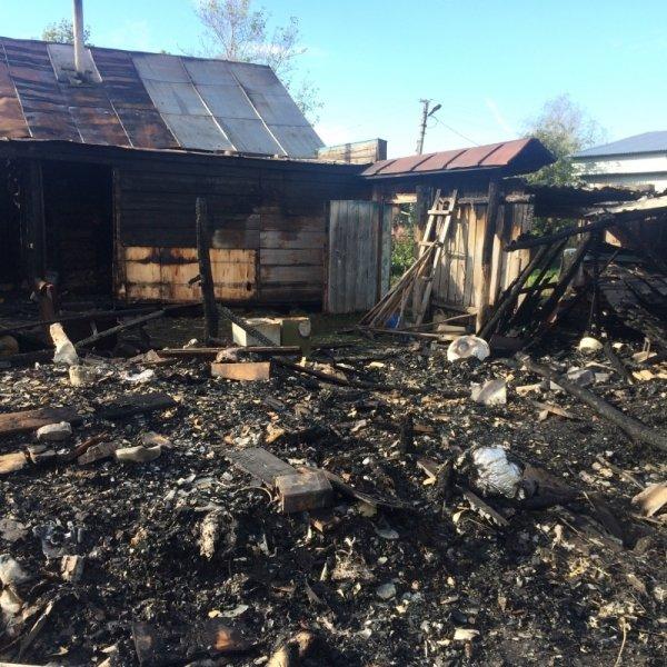 Крупный пожар в Ульяновске тушили 37 человек. ФОТО, фото-1