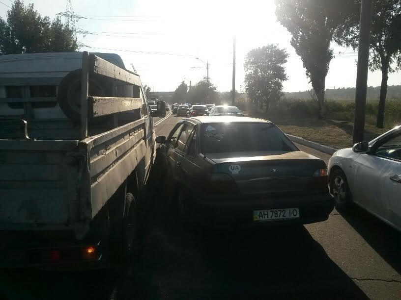 В Мариуполе на ул. Набережной одновременно произошло 3 ДТП (ФОТО), фото-2