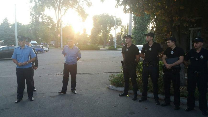 """Криворожская полиция """"выявила и прекратила"""" стихийную торговлю в Долгинцевском районе (ФОТО), фото-2"""