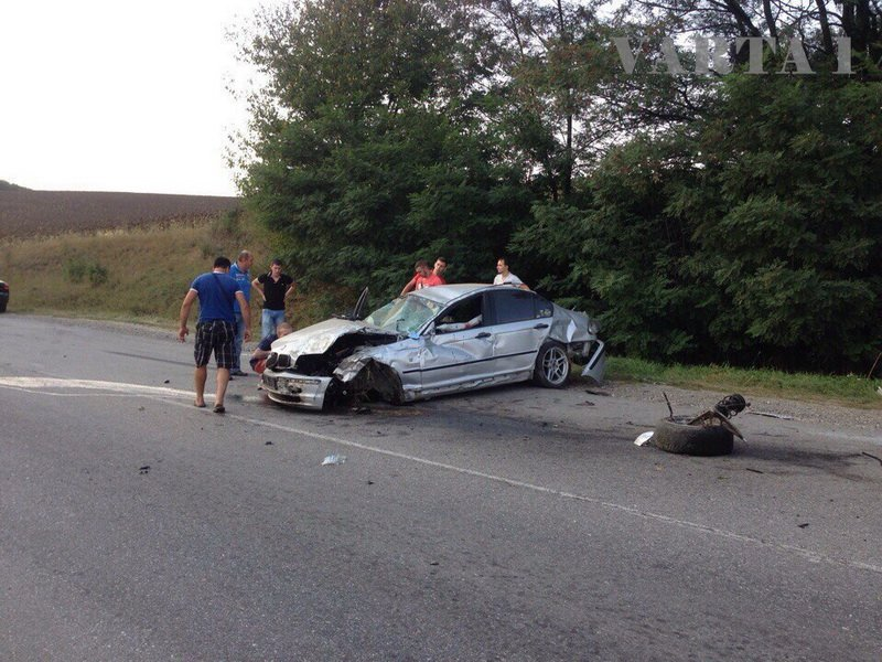 Молодий мешканець Івано-Франківська розбив своє авто на Рогатинщині (ФОТО), фото-2
