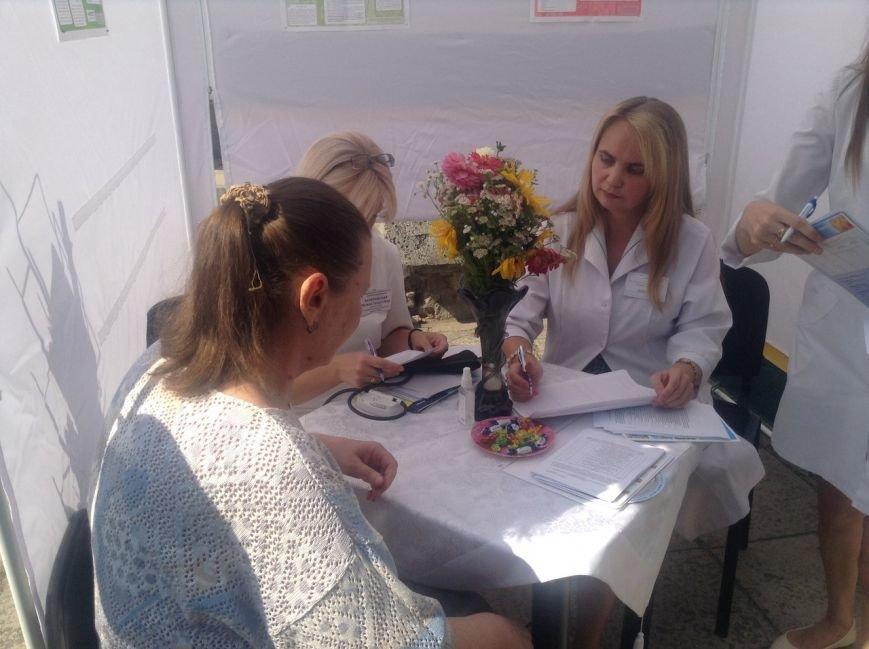 Сьогодні для львів'ян облаштували наметове містечко, аби перевірити стан здоров'я (ФОТО+ВІДЕО), фото-5