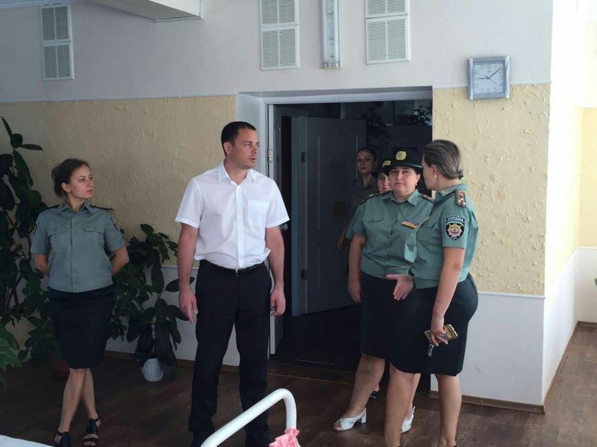 Мэр Каменского посетил женскую колонию, фото-1