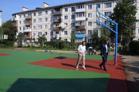 На вул. Карпатській невдовзі відкриють новий спортивний майданчик, фото-1