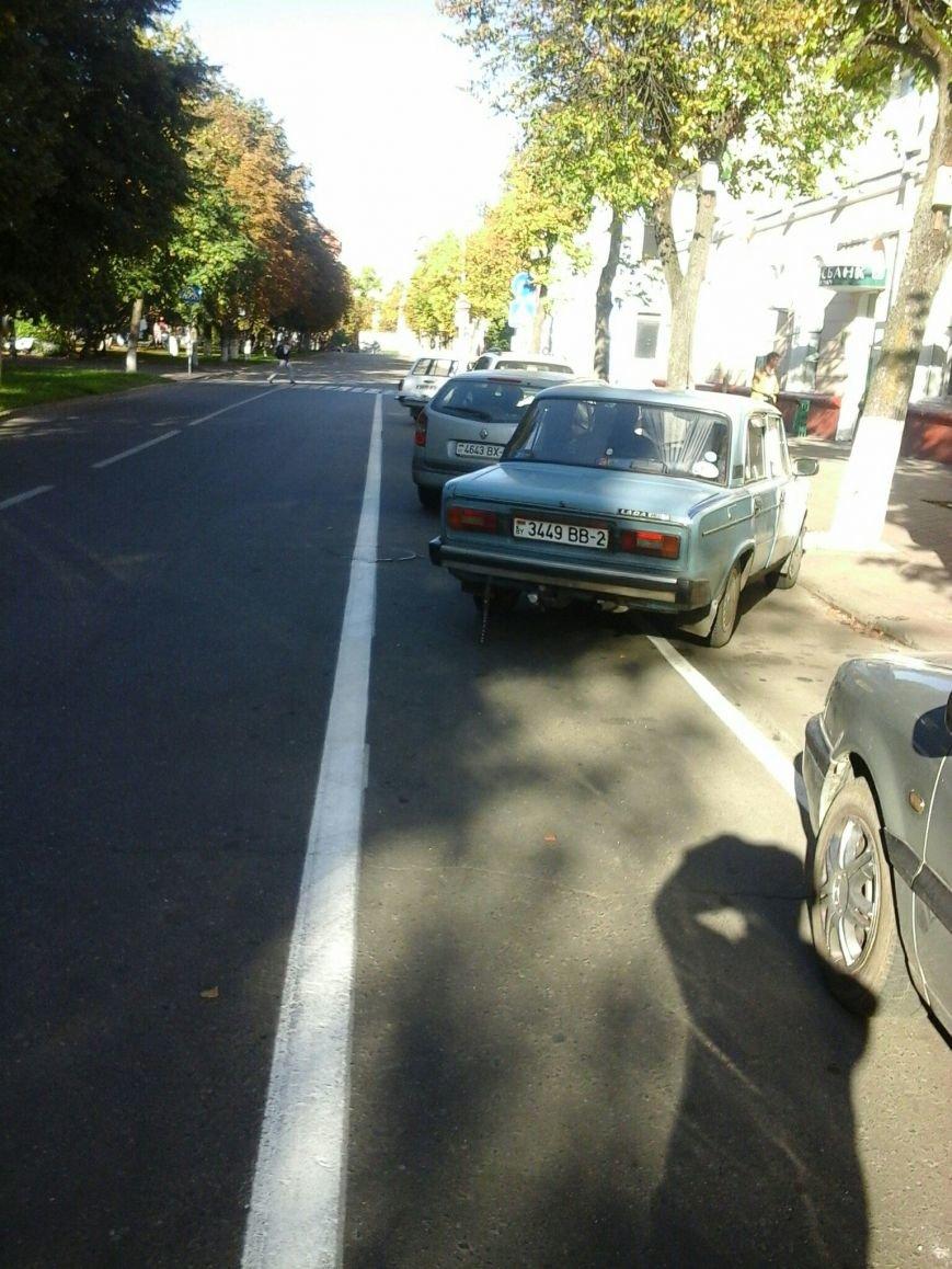 «Нас выживают, как индейцев, в резервации». Велосипедисты из Полоцка жалуются на водителей, паркующихся на новой велодорожке, фото-6