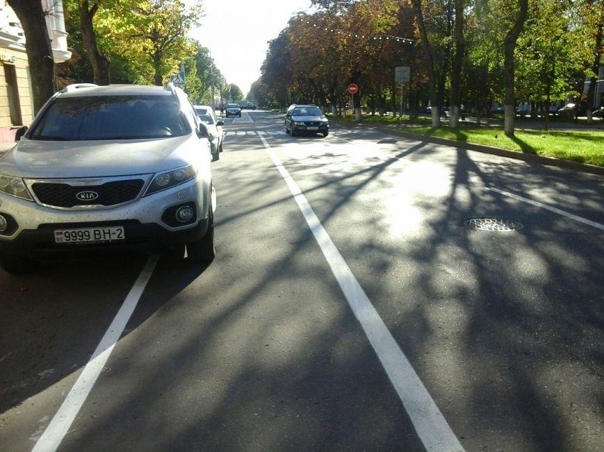 «Нас выживают, как индейцев, в резервации». Велосипедисты из Полоцка жалуются на водителей, паркующихся на новой велодорожке, фото-4