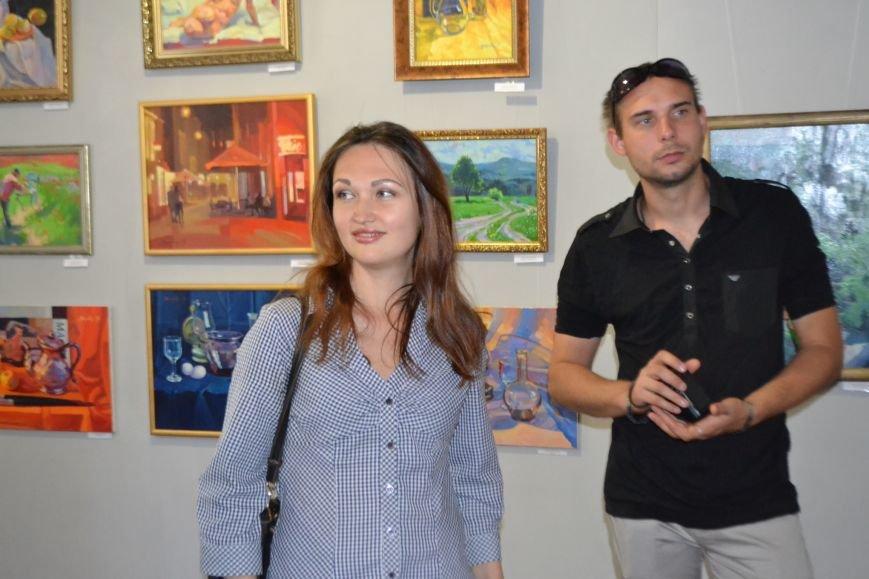 В Кривом Роге открылась выставка с атмосферой тепла и света (ФОТО), фото-1