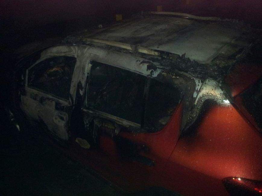 В Кременчуге сгорел Renault Sandero (ФОТО), фото-2