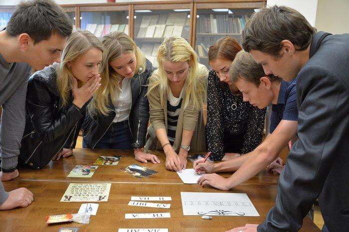 Увлекательным квестом «Рукописи не горят» отпраздновали День библиотек в медицинском университете, фото-3