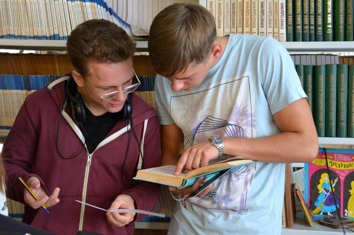 Увлекательным квестом «Рукописи не горят» отпраздновали День библиотек в медицинском университете, фото-5