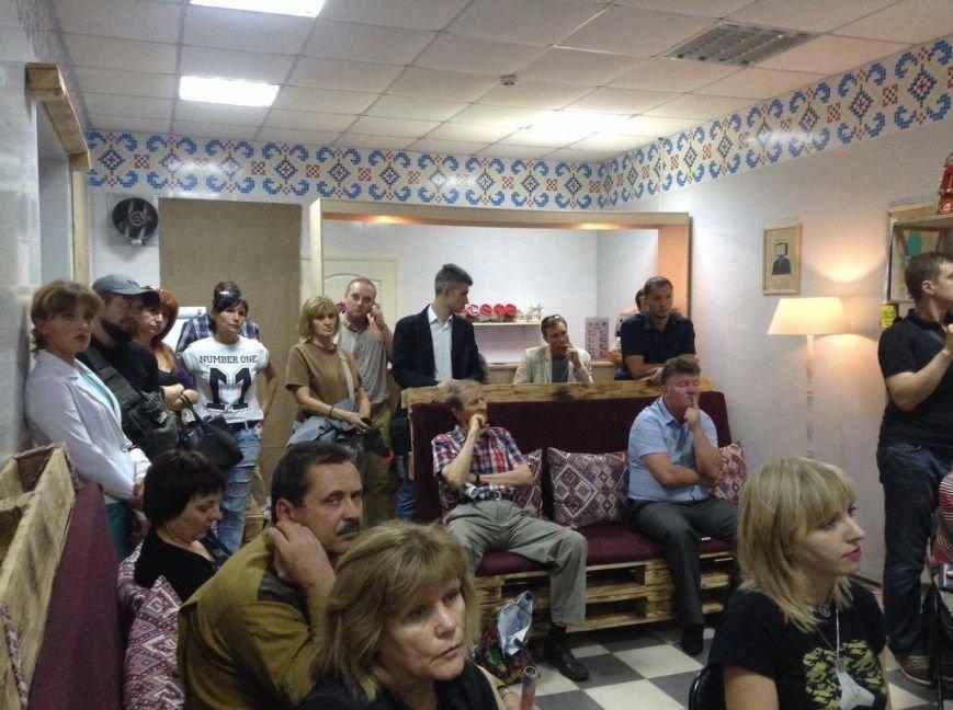 """""""Азов"""" установил в Мариуполе Святослава, чтобы не оставлять """"пеньки"""" (ВИДЕО), фото-1"""