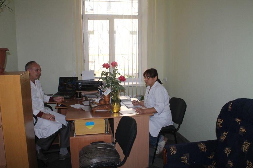 Бахмутская ЦРБ похвасталась новыми ремонтами, фото-7