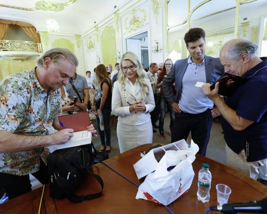 Тимошенко приїхала до Львова і побувала на Форумі видавців (ФОТО), фото-3
