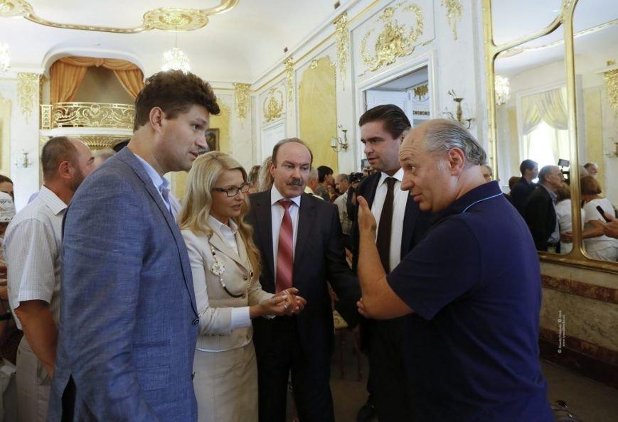 Тимошенко приїхала до Львова і побувала на Форумі видавців (ФОТО), фото-1