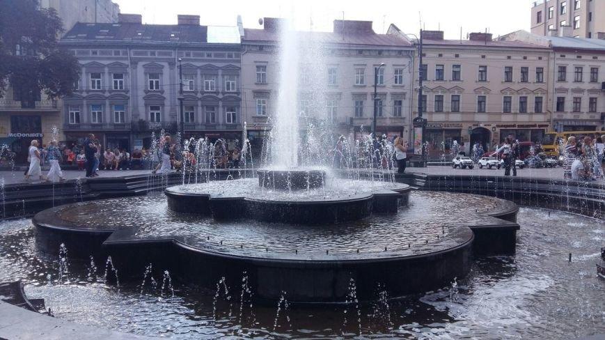 Чому навпроти Оперного досі працює старий фонтан (ФОТО), фото-3