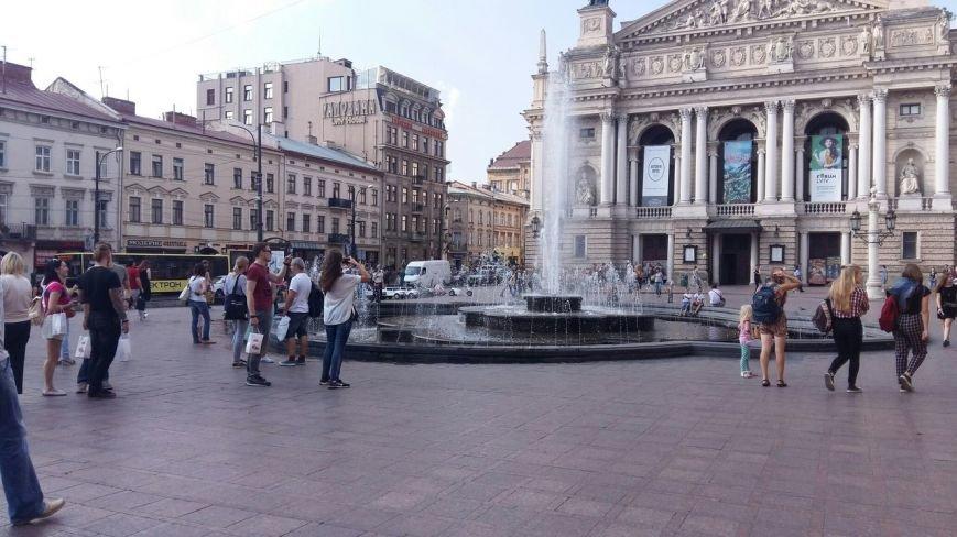Чому навпроти Оперного досі працює старий фонтан (ФОТО), фото-1