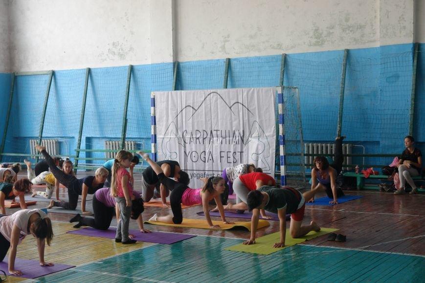 В Івано-Франківську проходить йога-марафон (ФОТО), фото-1