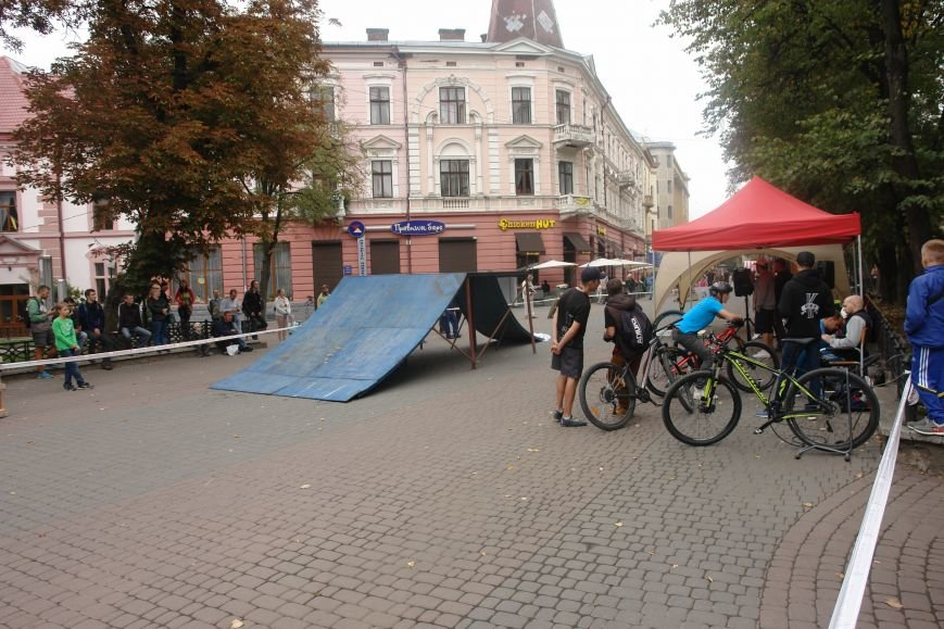 Франківчанам продемонстрували унікальне вело-шоу (ФОТОЗВІТ), фото-1