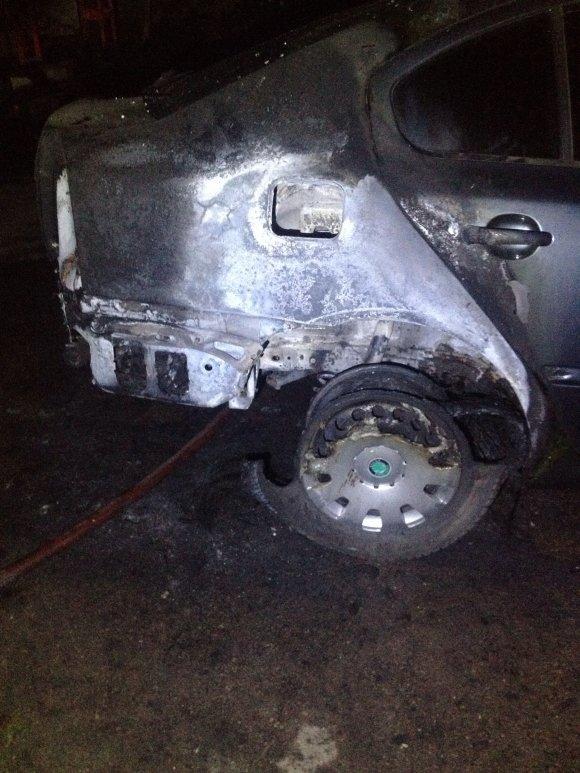 В Александрии ночью сожгли машину предпринимателя, фото-1