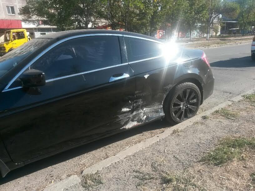 "В Мариуполе не разъехались ""Хонда"" и ""Хюндай"" (ФОТОФАКТ), фото-2"