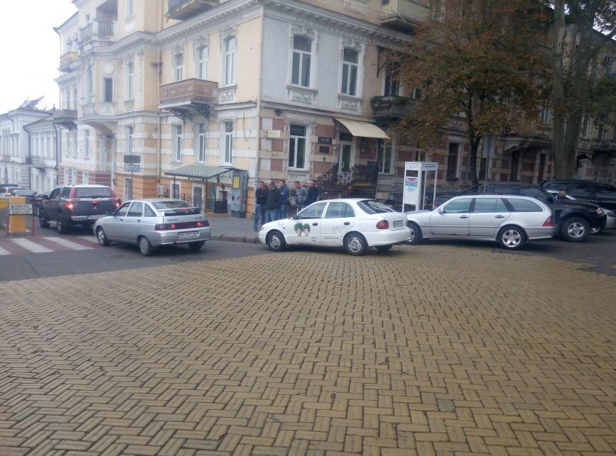 Клерки Одесской мэрии установили рекорд нарушения правил дорожного движения (ФОТО), фото-4